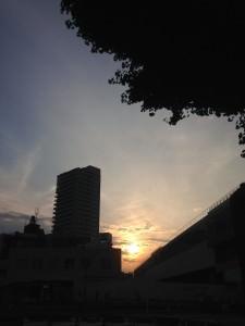 夕陽≒西日なんだな